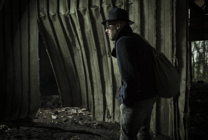 Intervistona a Ruins Barren