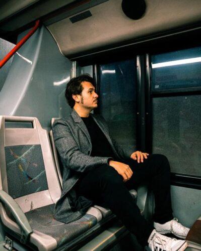 Simone Fornasari in bus